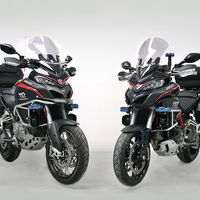 ¡Manos arriba! Los Carabinieri estrenan las Ducati 1200 Multistrada para luchar contra el crimen