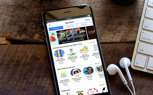 Medio año después, ¿cuál es la situación de las apps y stickers para Mensajes?