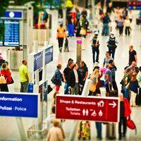 Estos son los cargos extras de las aerolíneas que más molestan a los viajeros