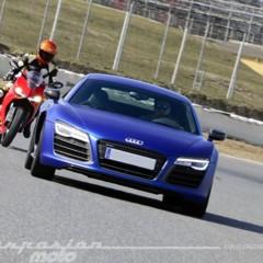 Foto 11 de 24 de la galería ducati-899-panigale-vs-audi-r8-v10-plus en Motorpasion Moto