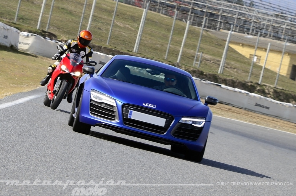 Foto de Ducati 899 Panigale Vs Audi R8 V10 Plus (11/24)