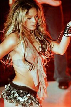 Shakira actúa en privado en Moscú