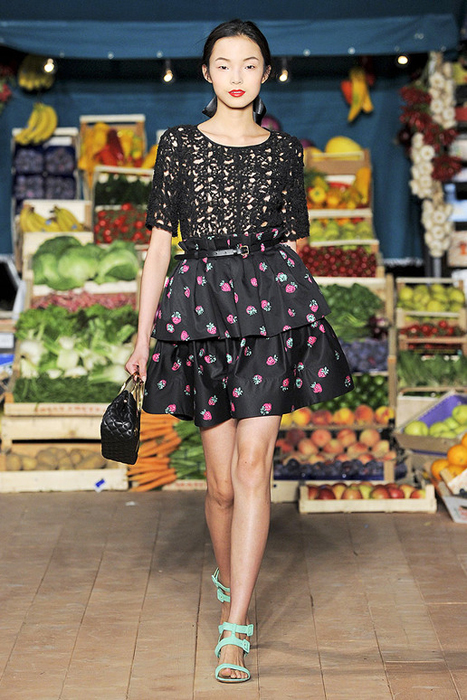Foto de Moschino Cheap and Chic Primavera-Verano 2012 (13/28)