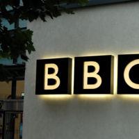 ¿Y si las cadenas se aliaran para lanzar su propio servicio VOD contra Netflix? BBC e ITV lo negocian