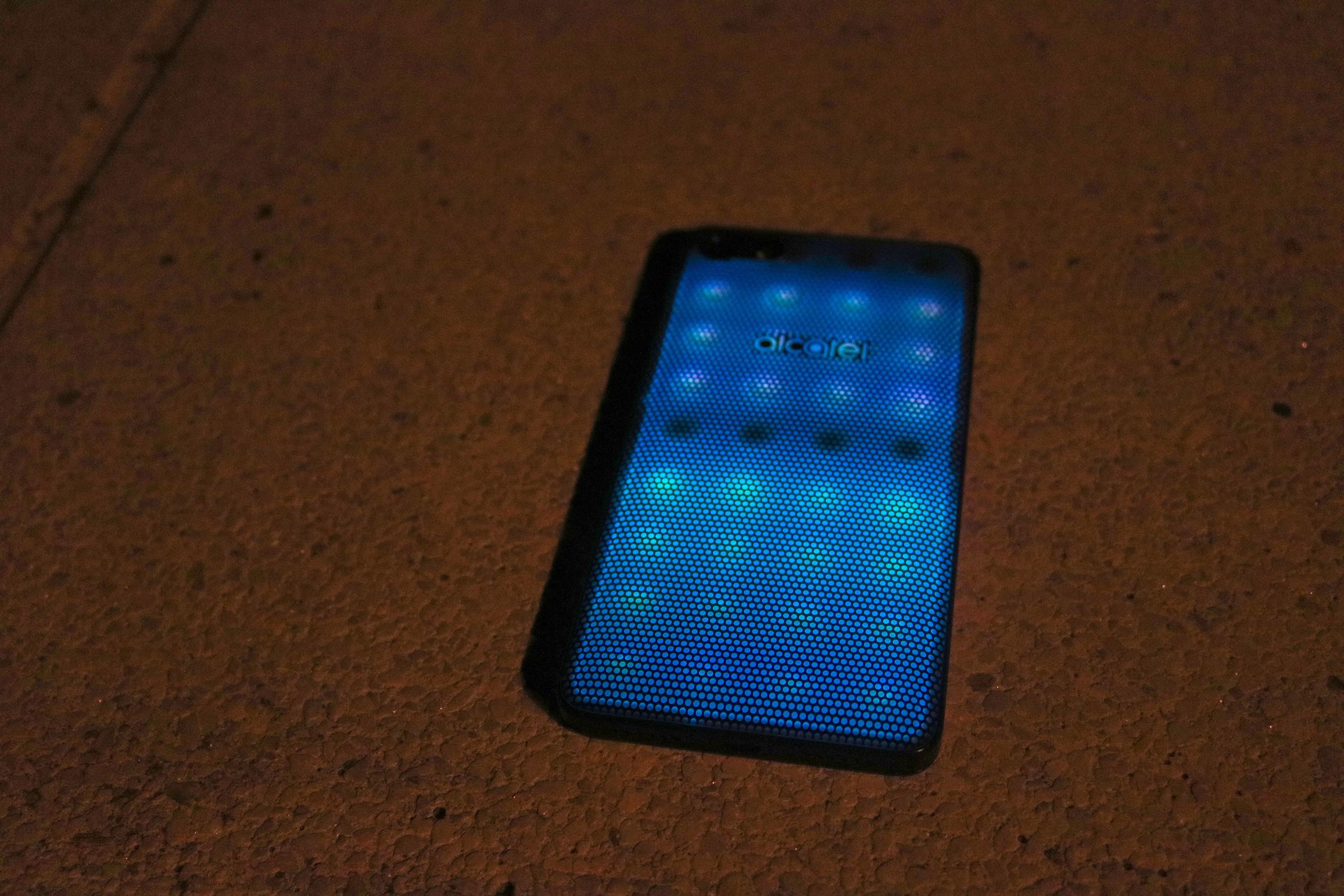 Foto de Diseño Alcatel A5 LED (1/53)