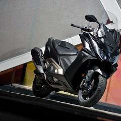 Foto 6 de 14 de la galería kymco-ak-550-2017-prueba en Motorpasion Moto
