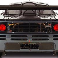 ¿Sabías que el McLaren F1 montaba los pilotos traseros de un autobús?