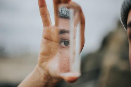 Cuando tu cuerpo no es el que ves en el espejo: así funciona el trastorno dismórfico corporal