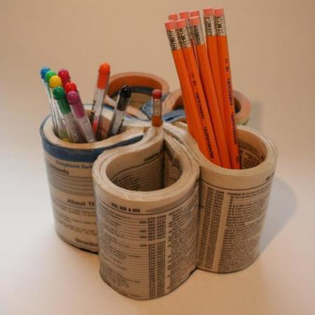 Recicladecoración: una guía de teléfonos para organizar tu escritorio