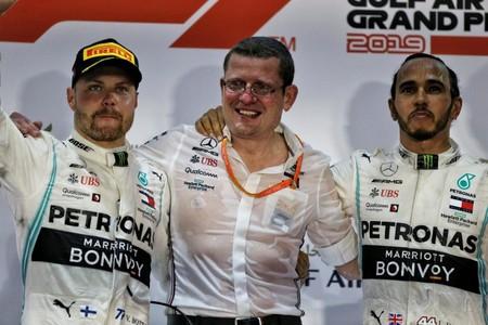 El hombre más deseado de la Fórmula 1 sale al mercado: Mercedes pierde a su jefe de motores, Andy Cowell