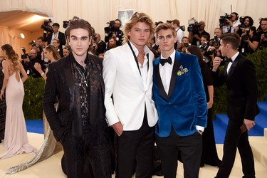 Desenfreno y un adiós definitivo al restrictivo black tie entre los asistentes más cool a la Met Gala