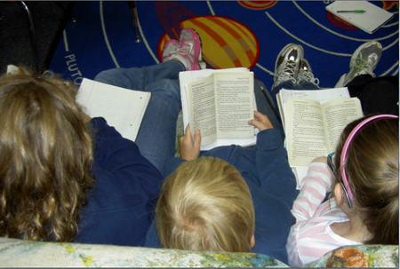 Los hábitos de lectura en niños españoles y el papel de la familia en el acercamiento a los libros