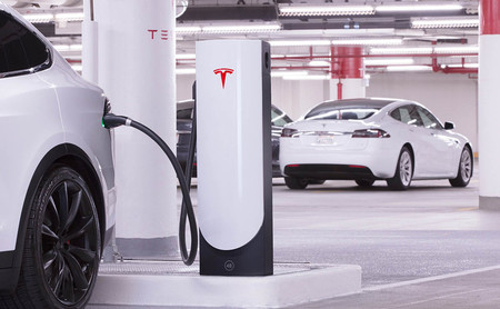 Las ventas de coches eléctricos en 2019 vuelven a duplicarse en España, con el Tesla Model 3 como más vendido