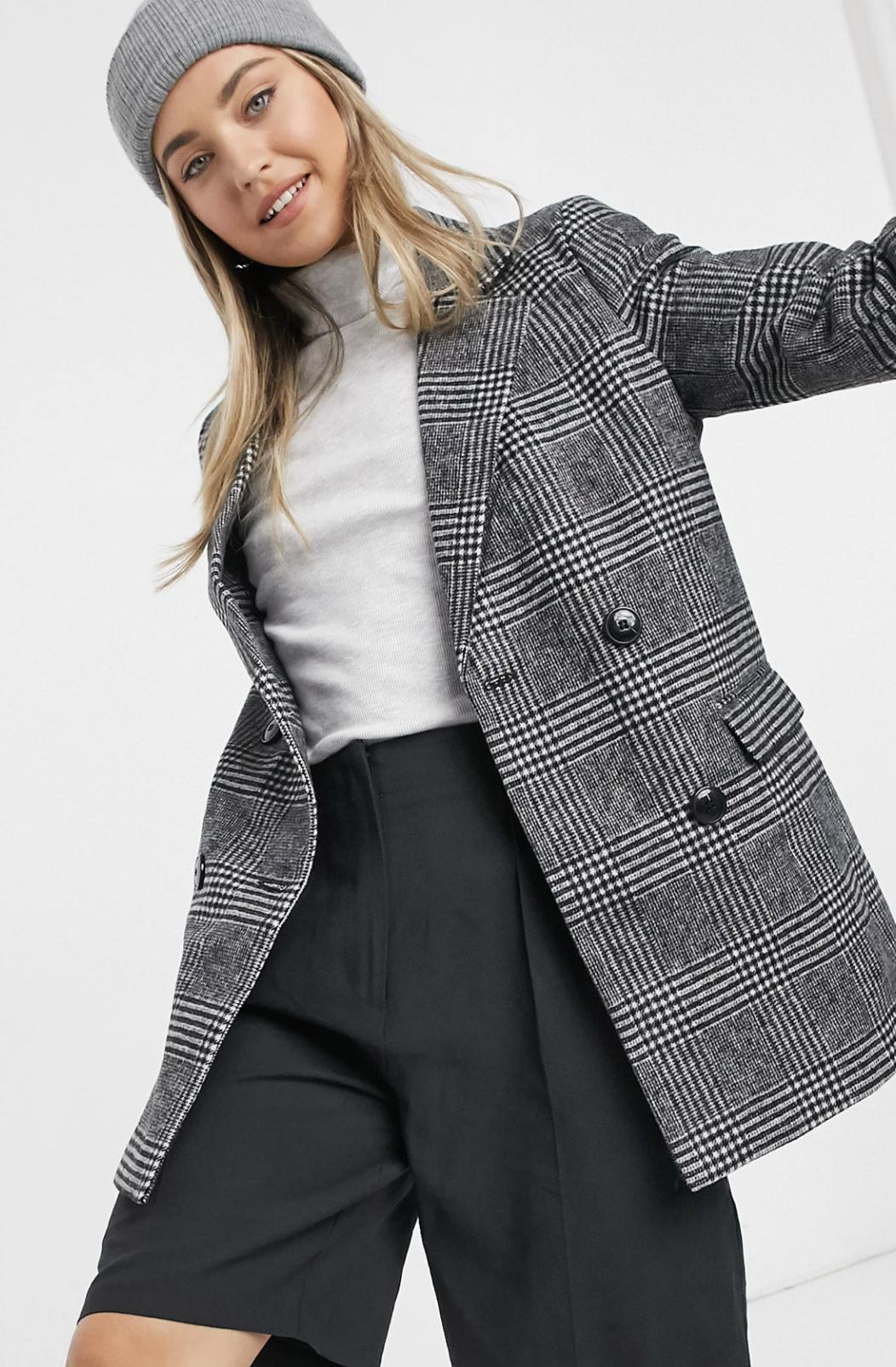 Abrigo estilo americana negro con estampado a cuadros de New Look