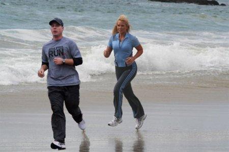 Cinco motivos por lo que es tan bueno correr por la playa