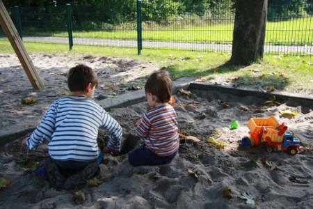 Fuga de la prisión: dos niños cavan un agujero y se escapan de la guardería