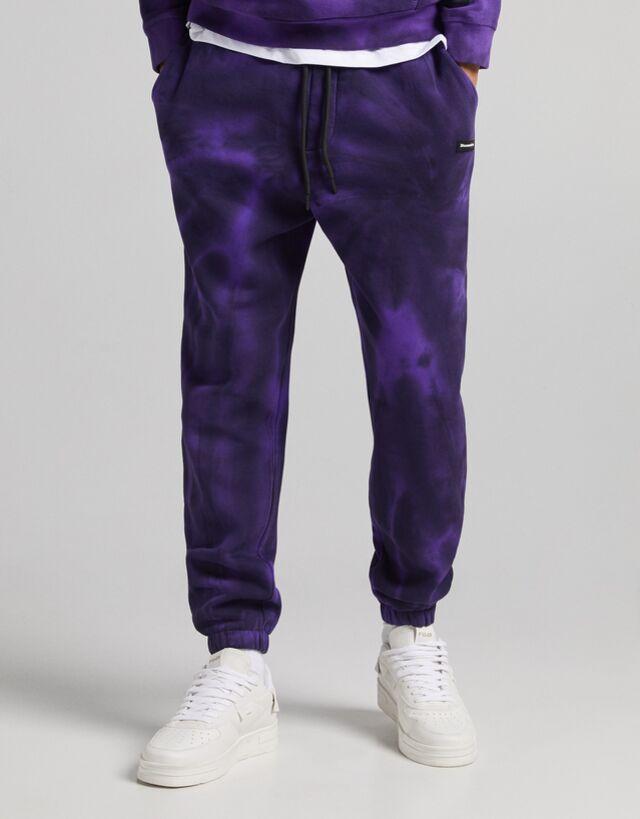 Pantalón púrpura con detalle tie-dye