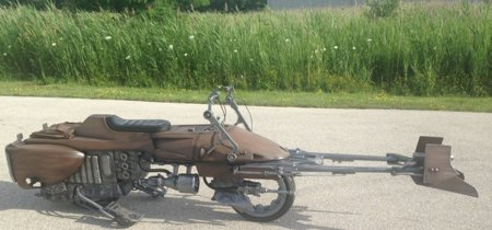 A esta fantástica réplica de la Speeder bike de Star Wars sólo le falta volar