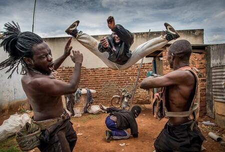 No hay nada igual al cine de acción de Uganda y Nigeria: VFX con el paint y espectáculo por encima de todo