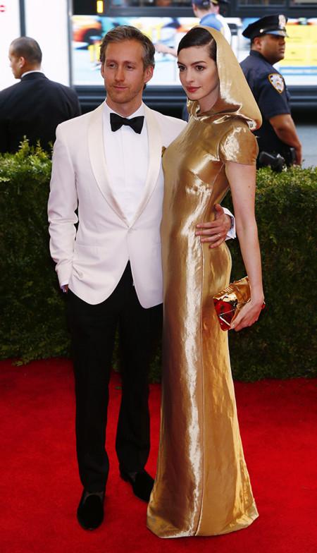 Anne Hathaway 2015 Ralph Lauren