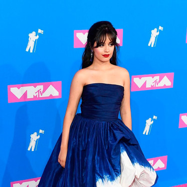 MTV Video Music Awards 2018: Camila Cabello no convence con su vestido bicolor