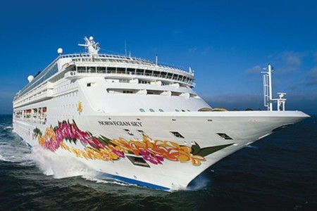 Cruceros en Norwegian Cruise Line:  'Los Norwegian cenan y beben a cuenta de la casa'