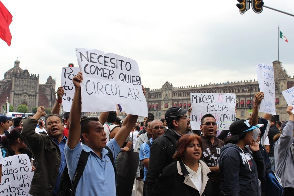 """Foto de Entrevista: hablan los afectados por el nuevo """"Hoy No Circula"""" (4/11)"""