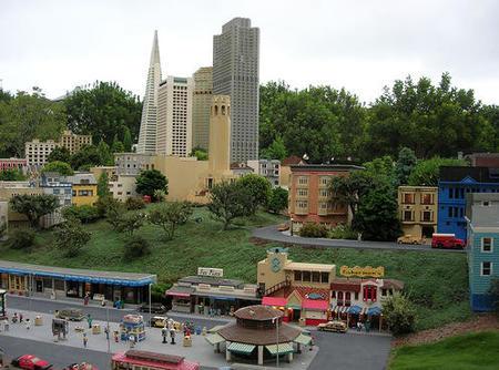 Un Parque con hotel Legoland en California