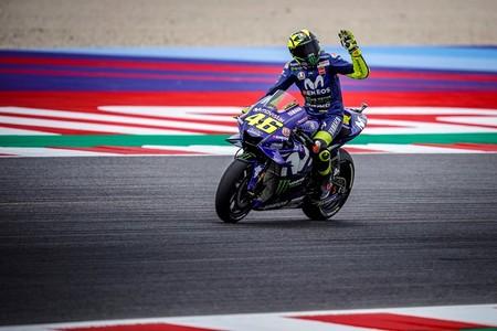 Valentino Rossi Espera Podio Aragon 2