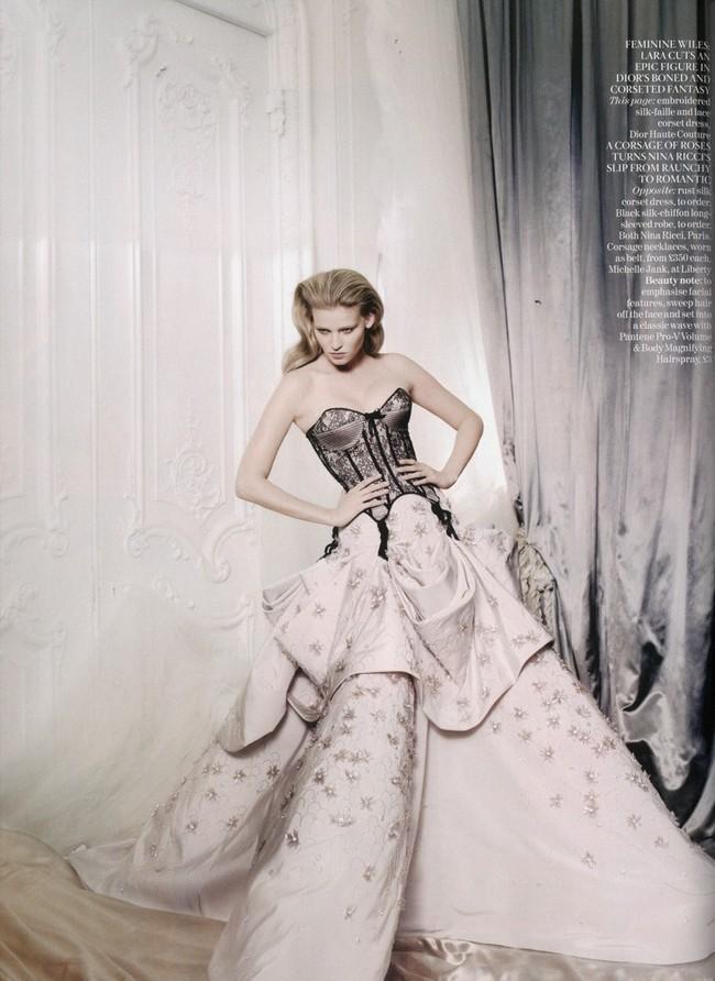 Foto de Lara Stone es la mujer del año para Vogue UK (8/10)