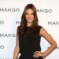 Despliegue de famosas (y bloggers) en el desfile de Mango