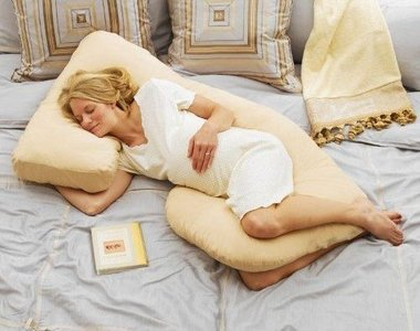 Una almohada cojín para embarazadas