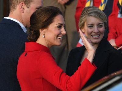 Kate Middleton también confía en Carolina Herrera en sus viajes oficiales