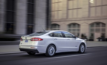 Ford Fusion 2019 4