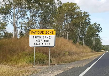 Para evitar dormirte, en esta carretera de Australia te desafía con preguntas de Trivial