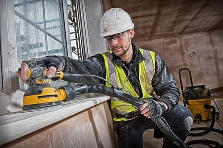 Ofertas de Amazon en herramientas para casa y jardín: lijadoras, destornilladores y cortasetos de marcas como Bosch, Einhell o De Walt