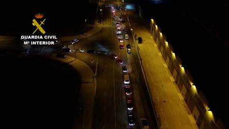 Carreras ilegales, trompos y más de 150 coches: así fue la concentración disuelta por la Guardia Civil en Zaragoza