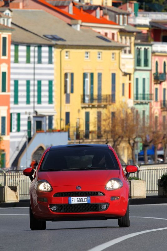 Foto de Fiat Punto 2012 (28/48)