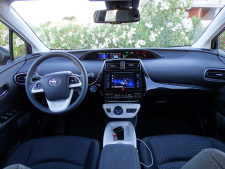 Toyota Prius 2016, salpicadero