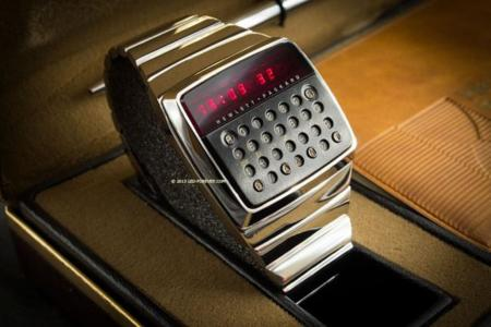 El abuelo de los relojes inteligentes es de HP, aparece a la venta por 14.500 dólares