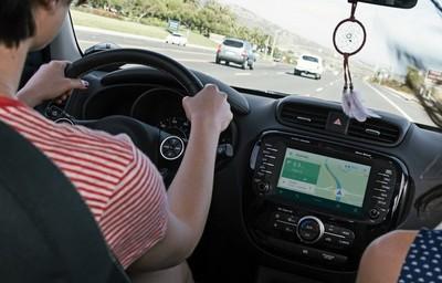 """La privacidad de nuestra conducción: Volkswagen y Mercedes-Benz lanzan un llamamiento para """"protegernos"""" de Google"""