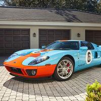 ¡Delicioso! Este Ford GT Heritage con los colores de Gulf está impoluto, y busca alguien que le quiera
