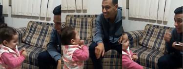 El tierno vídeo de una niña intentando hablar en lengua de signos con su padre sordo