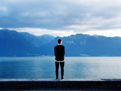 Cada vez hay más personas que se sienten solas y esto es más serio de lo que parece