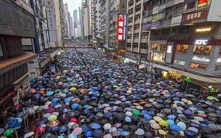 Telegram y Facebook suspenden su colaboración con las autoridades de Hong Kong por la nueva ley que concede más poder a China