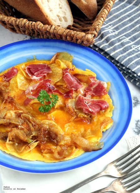 Tortilla de patata para extranjeros. Receta de Sacha Hormaechea
