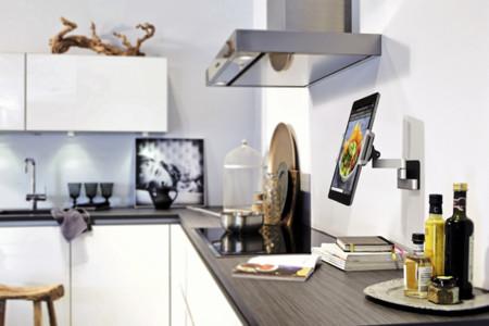 Integra tu tableta Android en tu hogar con este llamativo soporte