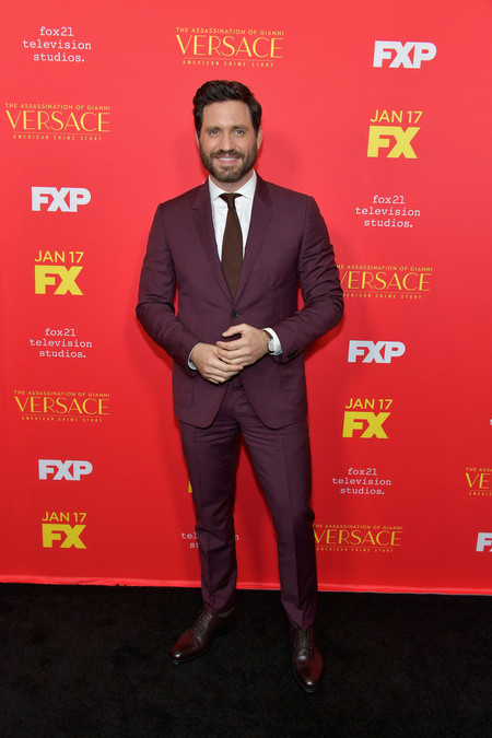 Los Protagonistas De The Assassination Of Gianni Versace Dominan Las Tendencias De Otono En Sus Looks Para La Premiere 02