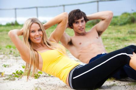 Cinco ejercicios para trabajar el abdomen fuera del gimnasio
