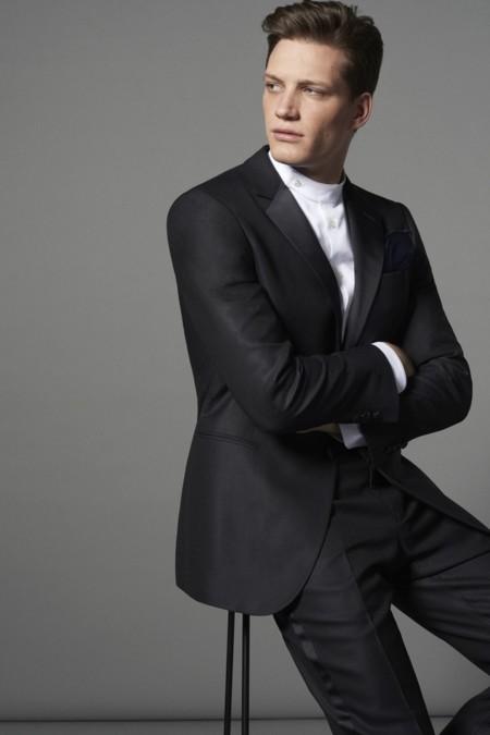 Giorgio Armani celebra 40 años con una colección especial de trajes